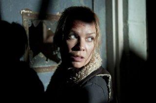 The Walking Dead: Un primo piano di Laurie Holden nell'episodio Vendetta