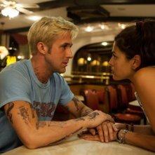 Come un tuono: Ryan Gosling ed Eva Mendes in un momento romantico