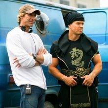 Mark Wahlberg e Michael Bay sul set di Suda e cresci