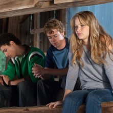 Jennifer Lawrence in Hates - House at the End of the Street con Olivier Surprenant e Will Bowes