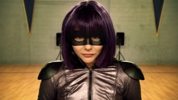 Kick-Ass 2: Chloë Grace Moretz in una scena del film nei panni di Hit-Girl