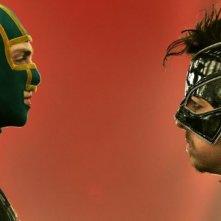 Kick-Ass 2: Christopher Mintz-Plasse faccia a faccia con Aaron Taylor-Johnson in una scena del film