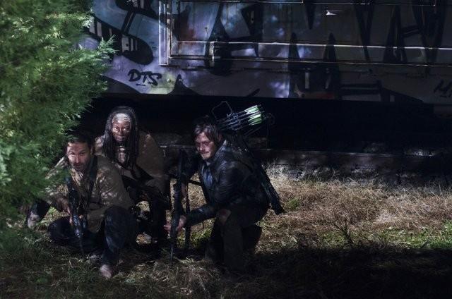 The Walking Dead Andrew Lincoln Norman Reedus E Danai Gurira In Azione Nell Episodio Nelle Tombe 270360