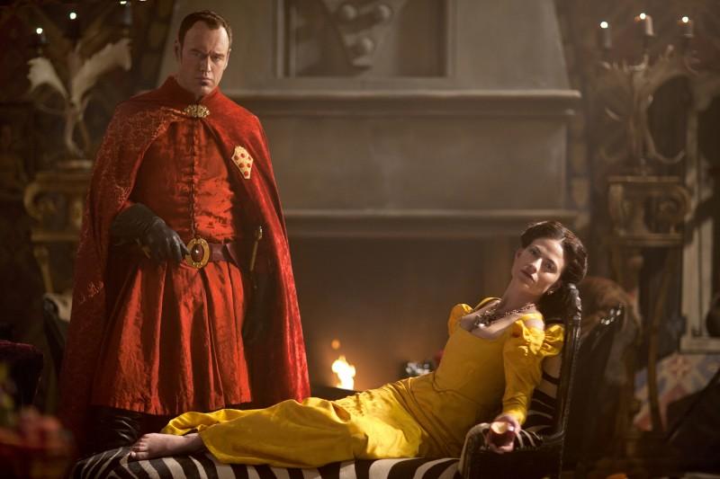 Da Vinci S Demons Elliot Cowan E Lara Pulver In Una Foto Promozionale Della Serie 270437