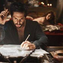 Da Vinci's Demons: Tom Riley in una foto di scena della serie