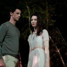 Stoker: Mia Wasikowska nel buio della notte con Matthew Goode