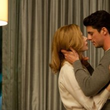 Stoker: Mia Wasikowska spia Nicole Kidman e Matthew Goode in una sequenza del film