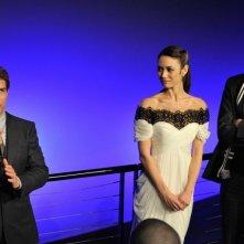 Oblivion: Tom Cruise con Olga Kurylenko e Joseph Kosinski durante la premiere di Londra