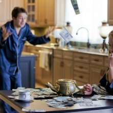 The Brass Teapot: Juno Temple e Michael Angarano in una scena