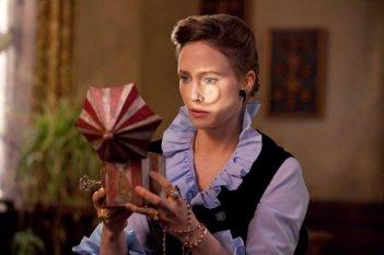 Vera Farmiga in una scena clou del film L'Evocazione - The Conjuring