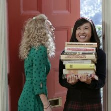 The Carrie Diaries: AnnaSophia Robb ed Ellen Wong nell'episodio Endgame