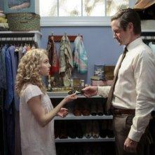 The Carrie Diaries: Matt Letscher ed AnnaSophia Robb nel pilot della serie