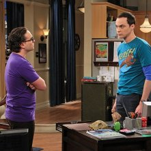 The Big Bang Theory: Johnny Galecki e Jim Parsons nell'episodio The Spoiler Alert Segmentation