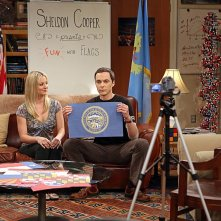 The Big Bang Theory: Kaley Cuoco e Jim Parsons nell'episodio The Monster Isolation