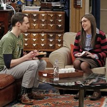 The Big Bang Theory: Mayim Bialik e Jim Parsons nell'episodio The Spoiler Alert Segmentation