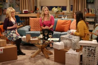 The Big Bang Theory: Melissa Rauch, Kaley Cuoco e Mayim Bialik nell'episodio The Decoupling Fluctuation