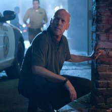 Fire with Fire: Bruce Willis in una scena del film nei panni del poliziotto federale Mike Cella
