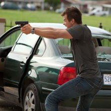 Fire with Fire: Josh Duhamel in azione in una concitata scena del film