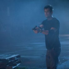 Fire with Fire: Josh Duhamel in una scena del film d'azione diretto da David Barrett