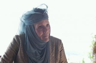 Il trono di spade: Diana Rigg è Lady Olenna nell'episodio Dark Wings, Dark Words
