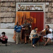 Benur: Paolo Triestino in una scena del film tra i vicoli di Roma