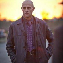 Low Winter Sun: Mark Strong nel pilot della serie