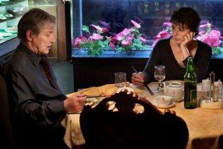 Miele: Jasmine Trinca a cena in un ristorante con Carlo Cecchi in una scena del film