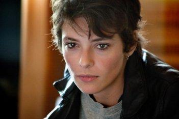 Miele: un bel primo piano di Jasmine Trinca tratto dal film