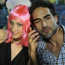 La finestra di Alice: Clizia Fornasier e Sergio Muñiz in una scena