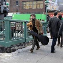 Inside Llewyn Davis: il protagonista Oscar Isaac sul set