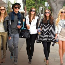 The Bling Ring: Taissa Farmiga, Israel Broussard, Emma Watson, Katie Chang e Claire Julien in una scena