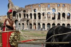 BENUR - Un gladiatore in affitto, come ti reinvento la crisi