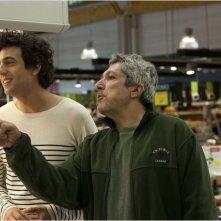 Les Gamins: Max Boublil e Alain Chabat in una scena della commedia