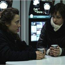 Les Lendemains: Pauline Parigot in una scena del film con Louise Szpindel