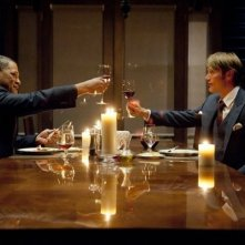 Hannibal: Mads Mikkelsen e Laurence Fishburne nell'episodio Amuse-Bouche