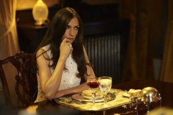 Hemlock Grove: Famke Janssen in una scena della serie
