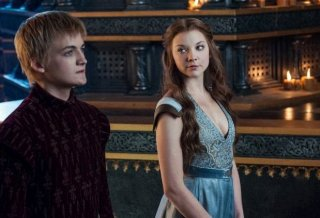 Il trono di spade: Jack Gleeson e Natalie Dormer nell'episodio And Now His Watch Is Ended