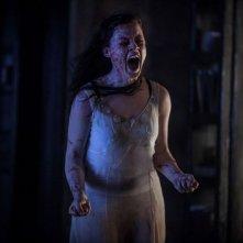 La casa: Jane Levy posseduta in una scena
