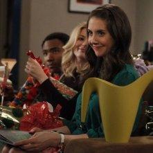 Community: Alison Brie, Gillian Jacobs e Donald Glover nell'episodio Intro to Knots