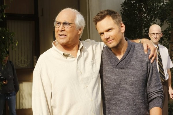 Community: Chevy Chase, Joel McHale e Jim Rash nell'episodio Economics of Marine Biology