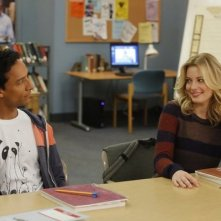 Community: Gillian Jacobs e Danny Pudi nell'episodio Intro to Felt Surrogacy