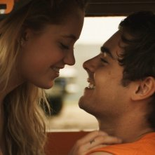 At Any Price - Zac Efron e Maika Monroe sono Dean e Cadence.