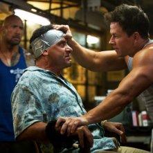 Dwayne Johnson, Tony Shalhoub e Mark Wahlberg sul set di Pain & Gain - Muscoli e Denaro