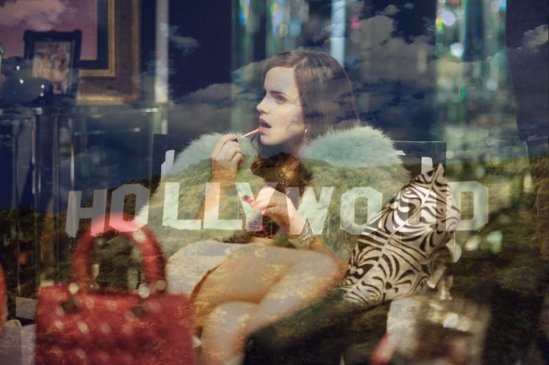 Emma Watson in trasparenza in una scena di The Bling Ring