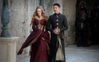 Il trono di spade: Lena Headey e Aidan Gillen in una scena dell'episodio Kissed by Fire
