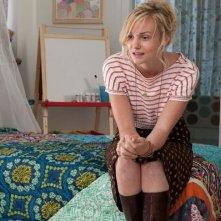 Joanna Vanderham in Quel che sapeva Maisie: una scena del film
