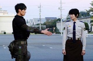 Library Wars - una sequenza del film giapponese del 2013