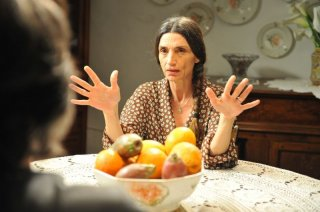 Amaro Amore: Angela Molina in una scena del film