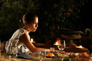 Amaro Amore: Aylin Prandi in una scena