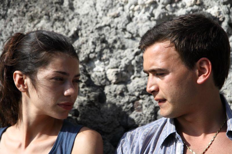 Amaro Amore Lavinia Longhi Con Francesco Casisa In Una Scena 273750